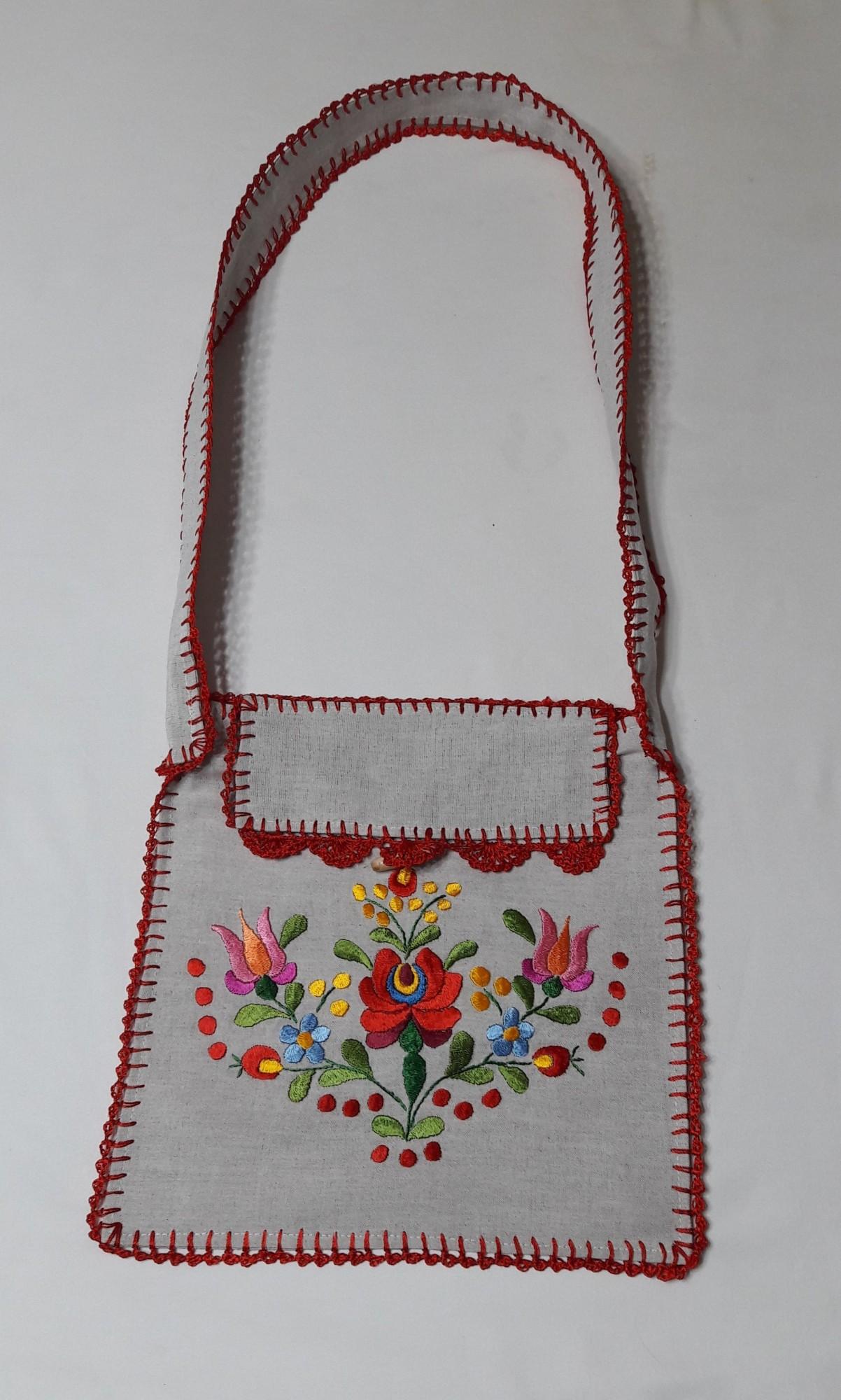 Hímzett női táska - Matyó terítők 9747e905d0